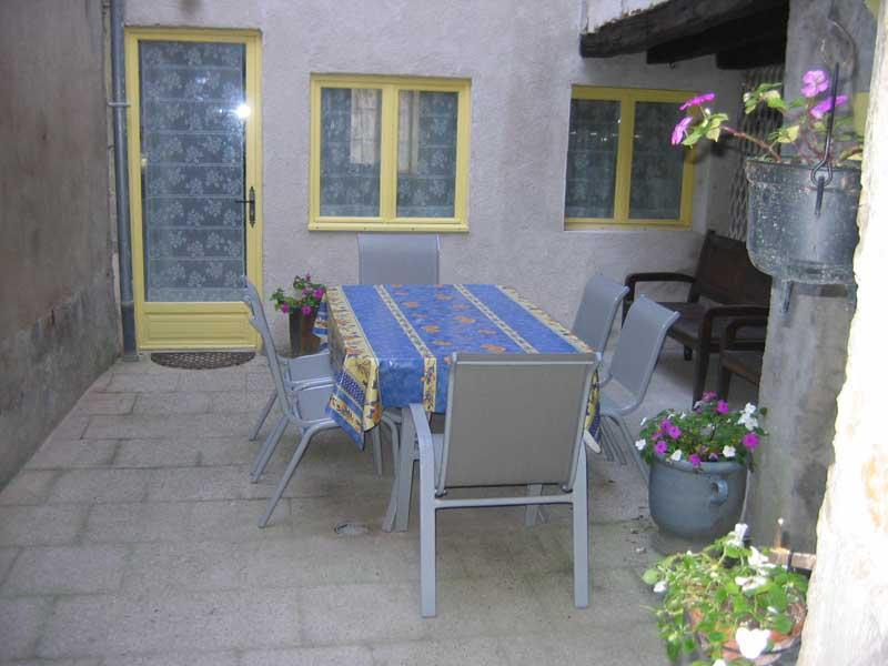 Benedictine Suite Terrace, Table and 6 Chairs