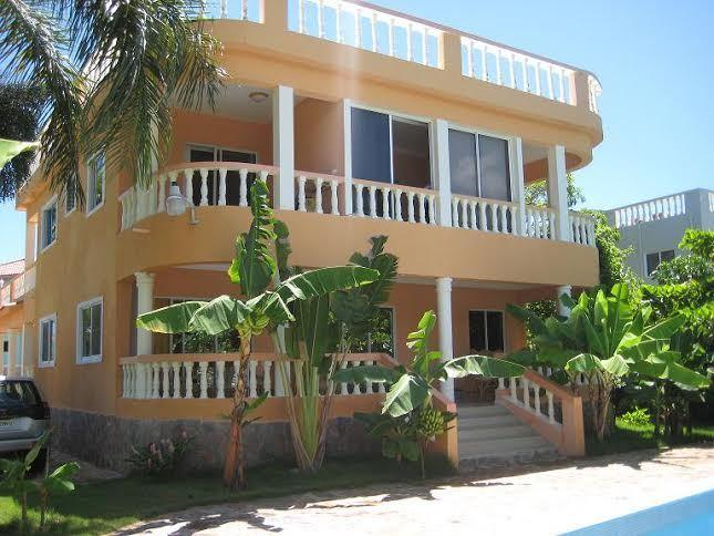 City Villa, big pool. Garden. Ocean View. 4bedrooms. Security. Closed territory., holiday rental in Sosua