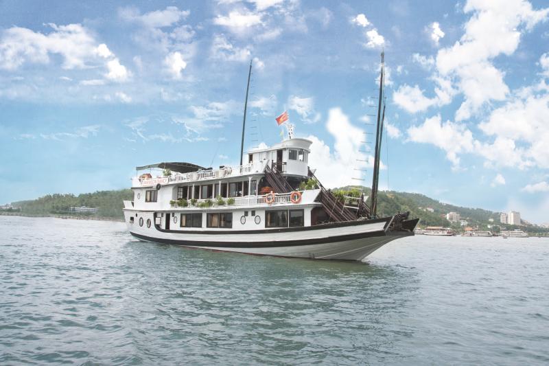 Halong Paragon Sancy Cruise, holiday rental in Quang Ninh Province