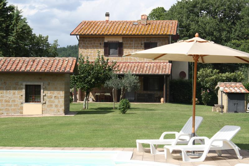 Recently restored farmhouse in Southern Tuscany, private garden and outdoor pool, vacation rental in Elmo