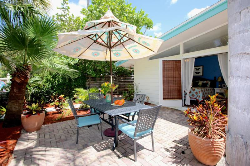 Westerly Patio - private off master just one half block to beach
