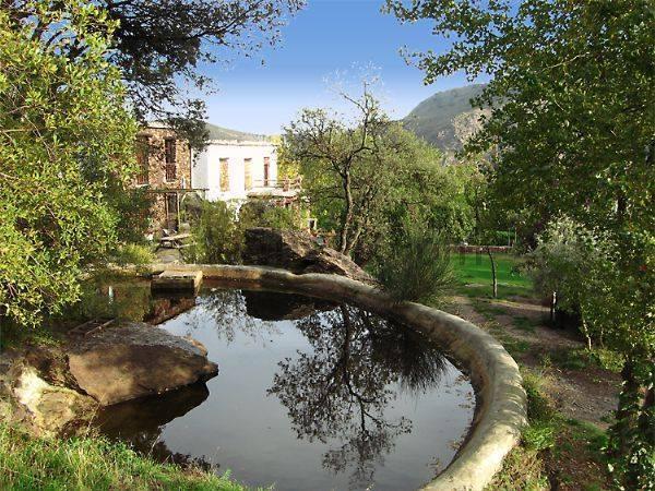 Le domaine de la piscine d'eau de l'irrigation