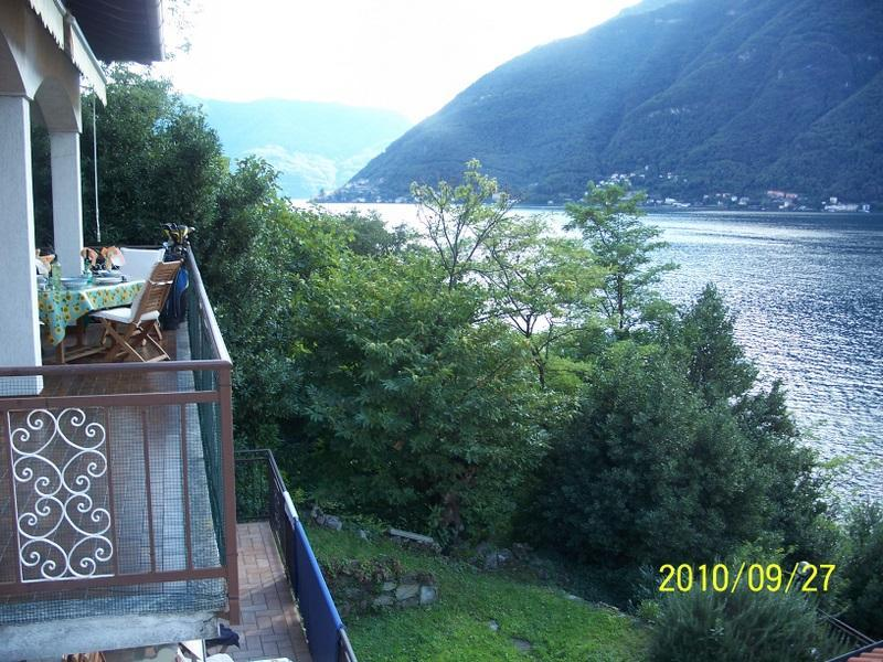 Villa has 3 balcony's 5 bedrooms 3.5 bathrooms free WIFI Parking and Dock for boat,swim in Lake Como