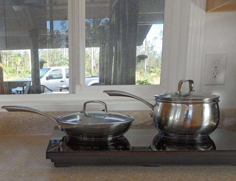 Magnetic cooktop with special pots