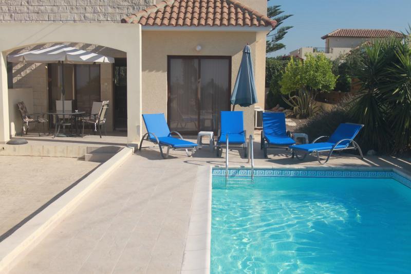 Villa Strelitzia, holiday rental in Pissouri