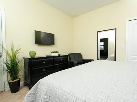 Bedroom,Indoors,Room,Screen,TV