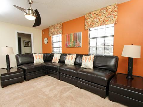 Lamp,Couch,Furniture,Indoors,Room