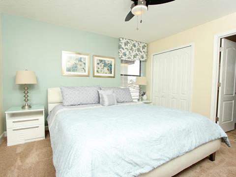 Bedroom,Indoors,Room,Furniture,Sink