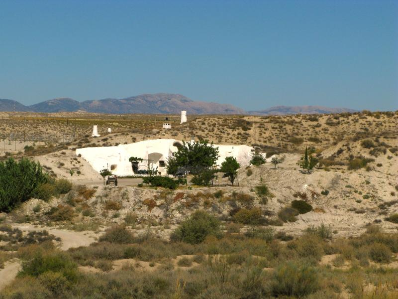 Alcobas 1 ( 9-11 pers.) una cueva en Andalucia, vacation rental in Baza