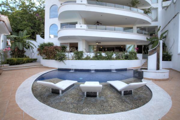 PUERTO VALLARTA AMAPAS 3 BDR CONDO RENAISSANCE II, vacation rental in Puerto Vallarta