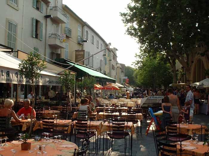 Cafés and restaurants, 5 minutes walk