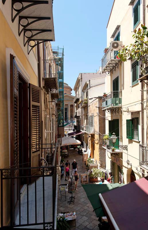 veduta del Teatro Massimo dal balcone