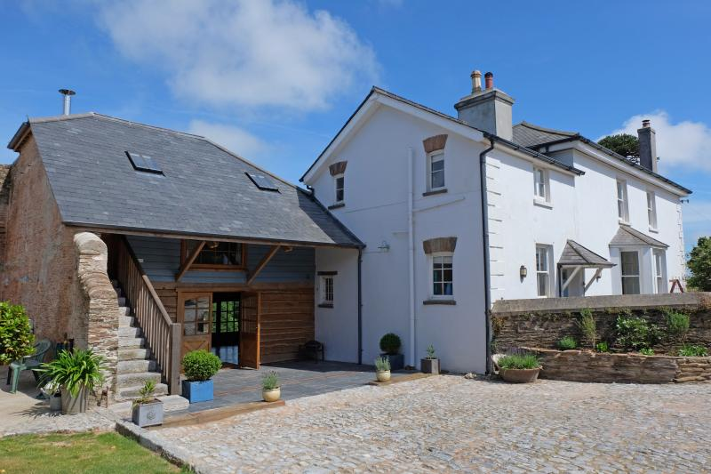 Number One Swallows' Flight barn is attached to a historic farmhouse yet entirely self contained
