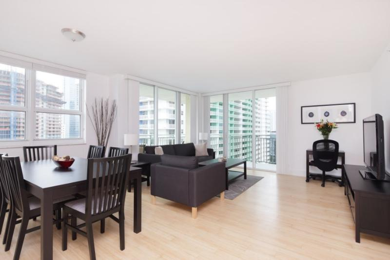 LUXURY BRICKELL 2 BED - 2 BATH OCEAN FRONT - BAY VIEW, vacation rental in Miami