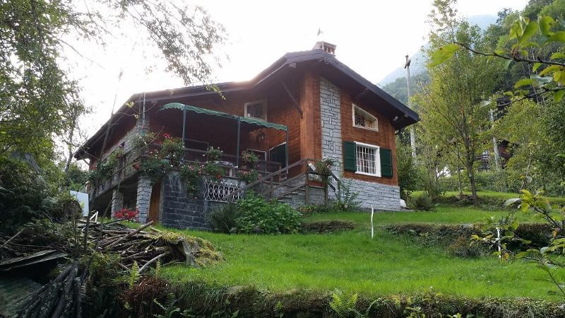 romantico chalet immerso nel verde del Monte Rosa, holiday rental in Vanzone con San Carlo
