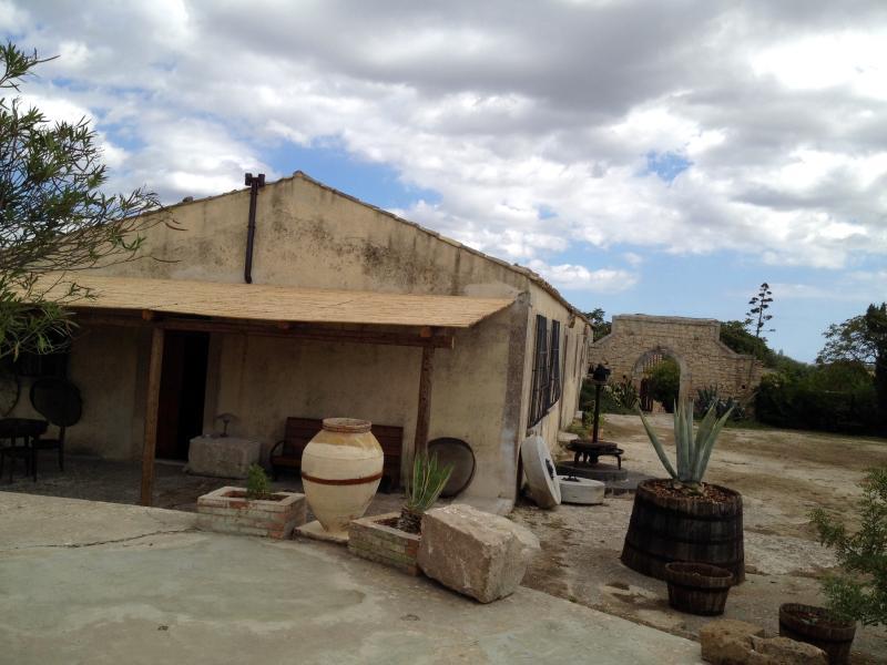 Holiday Rural Retreat in Noto Antica, location de vacances à Noto