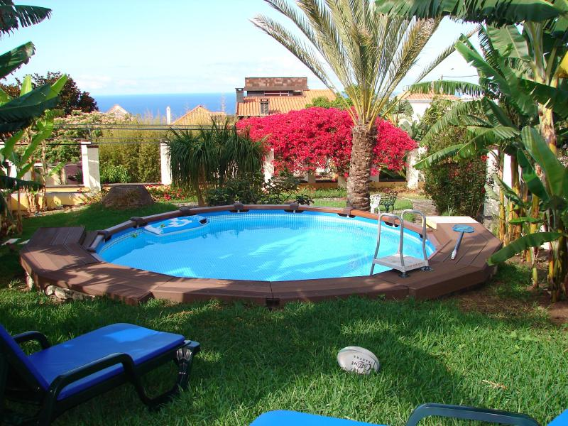 PRIVATE POOL for two, WIFI, Air Cond, walk to Func, holiday rental in Madeira