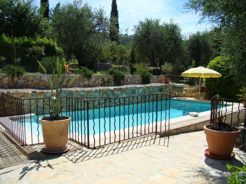 Villa Lermusiere, vacation rental in La Roquette-sur-Siagne