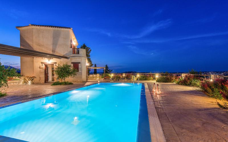 Villa Rosa swimming pool