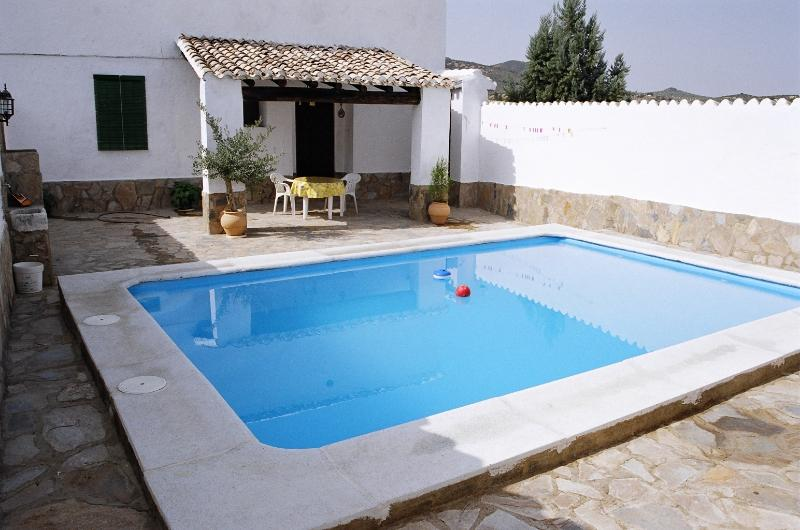 Patio privado con piscina para dos
