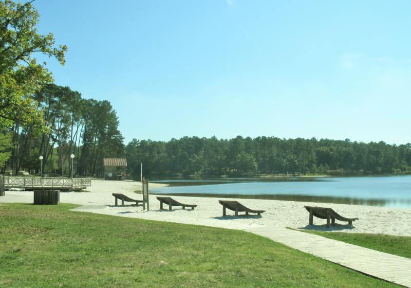 The river beach at Etang de Jemaye