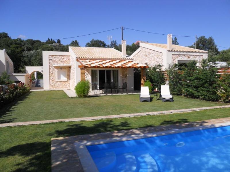 Villa Poulades Corfu, aluguéis de temporada em Gouvia