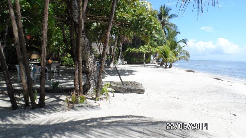 Playa Blanca, en las cercanías de Vista Maravilla
