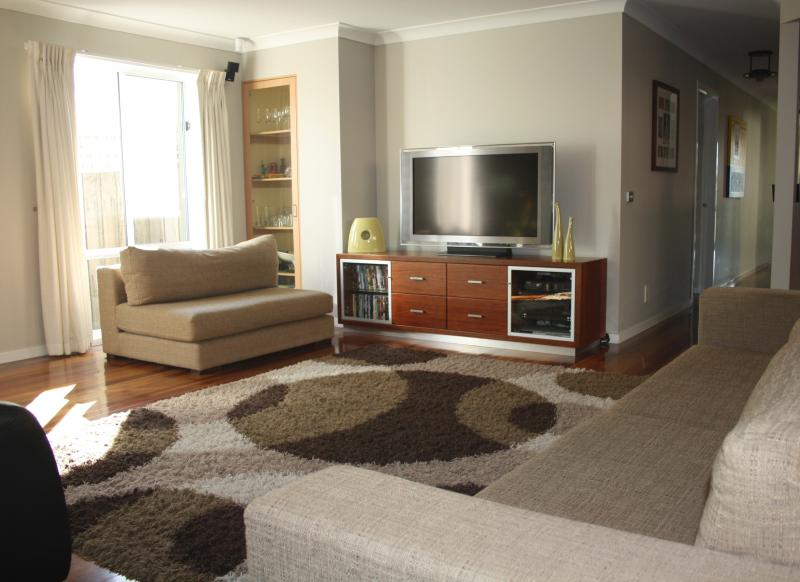Comfortable Living Area with Austar, DVD & Nintendo Wii