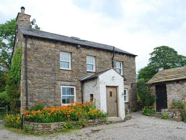 SPOUT COTTAGE, secluded, garden, woodburner, near Sedbergh, Ref 914676, holiday rental in Yorkshire Dales National Park