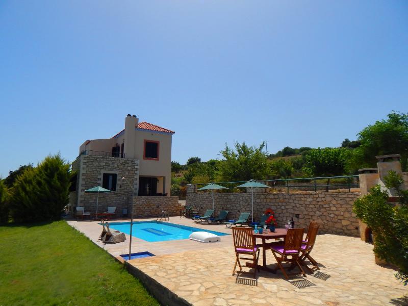 Villa Sunset, location de vacances à Thronos
