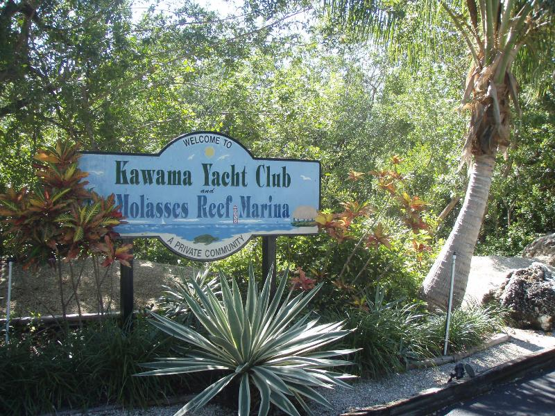 Kawama Yacht Club Entrance