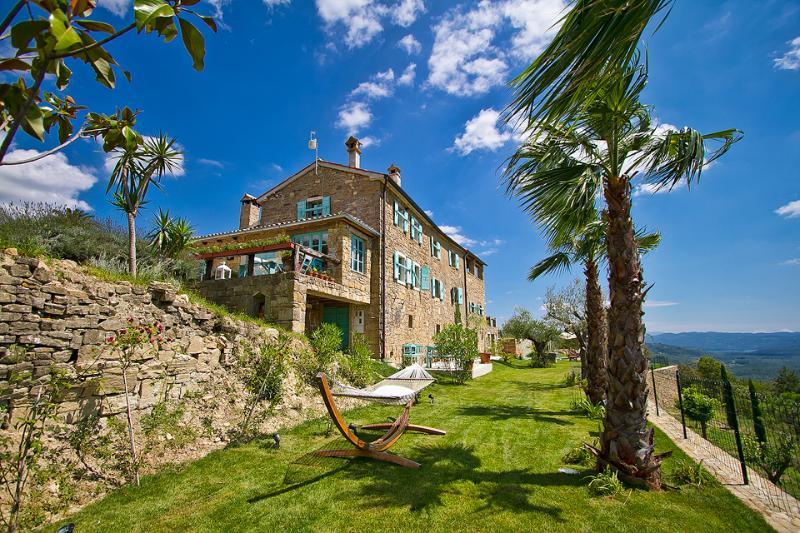 Villa Sancta Maria Motovun - garden area