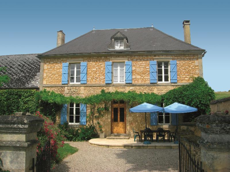 6 bedroom house for 12 people in the Dordogne. Le Manoir des Granges