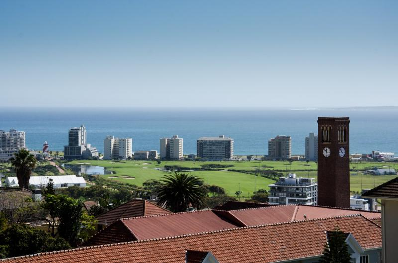 Greenpoint golfcourse, promenade and botanical gardens