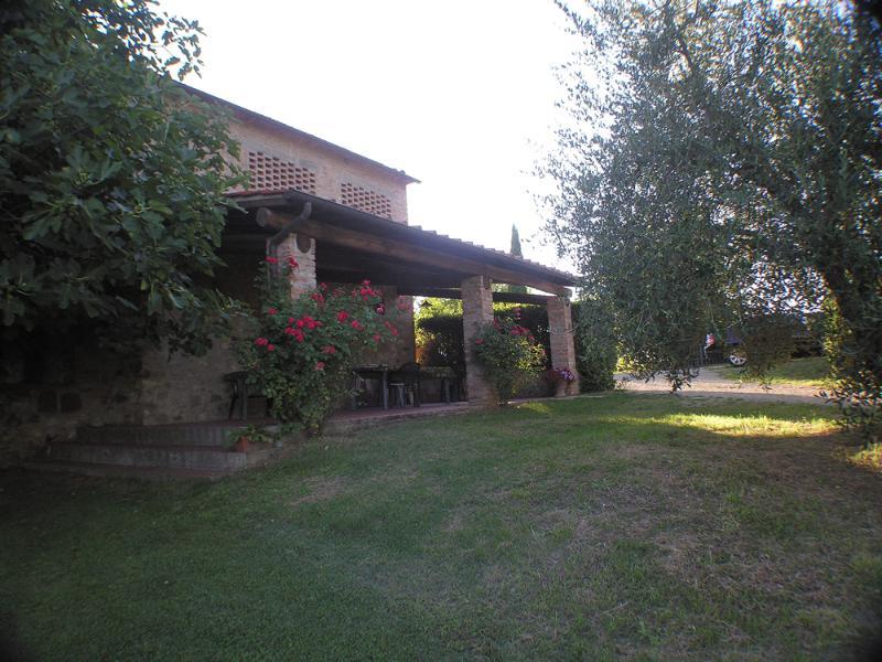 Agriturismo Il Sole Verde App. Il Fienile, vacation rental in Levane