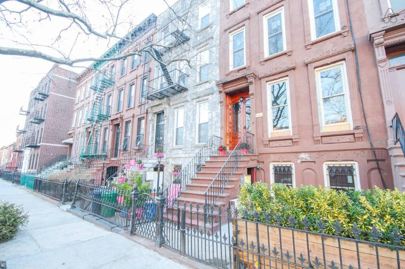 Historical New York Brownstone - Exterior