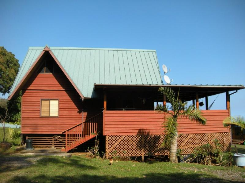 Horses and Waterfalls, holiday rental in Hilo