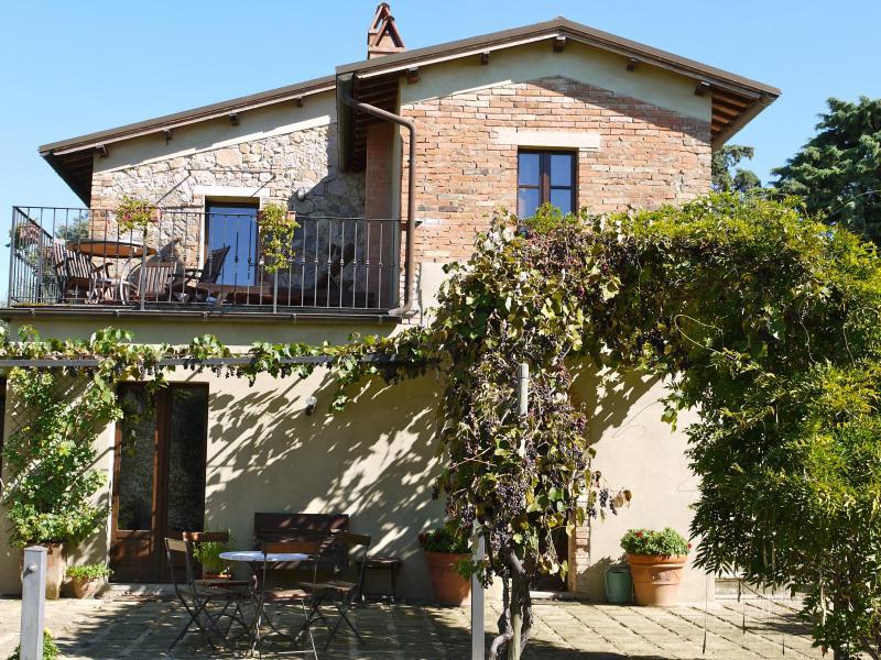 Casa Oliveto, location de vacances à Montisi