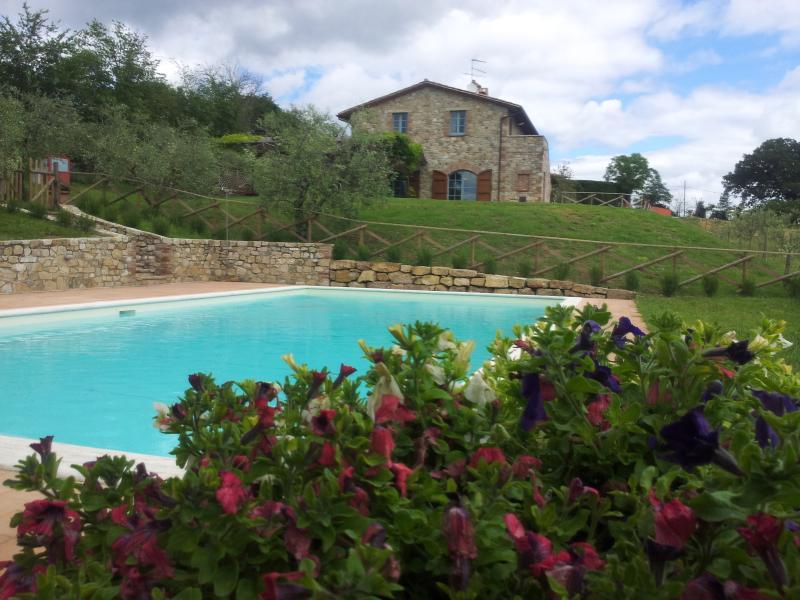 Casa Canonica , Air condition&fans Between Toscany-Rome, casa vacanza a Todi
