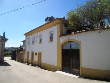 9Arches Family House with pool in Central Portugal, location de vacances à Santa Comba Dao