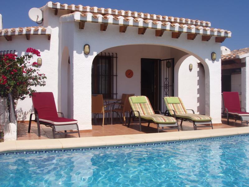 Villa in Monte Pego, Denia, Costa Blanca, vacation rental in Denia