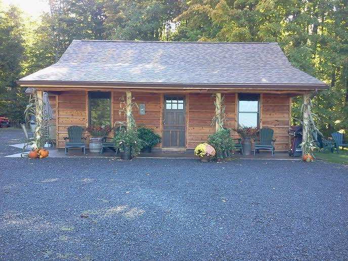 Dawgwood Cabins near Cooperstown, NY, holiday rental in Jordanville