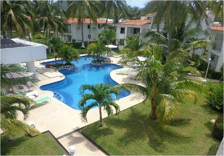 Manzanillo lovely ground floor Condo 1 block from beach, holiday rental in Manzanillo