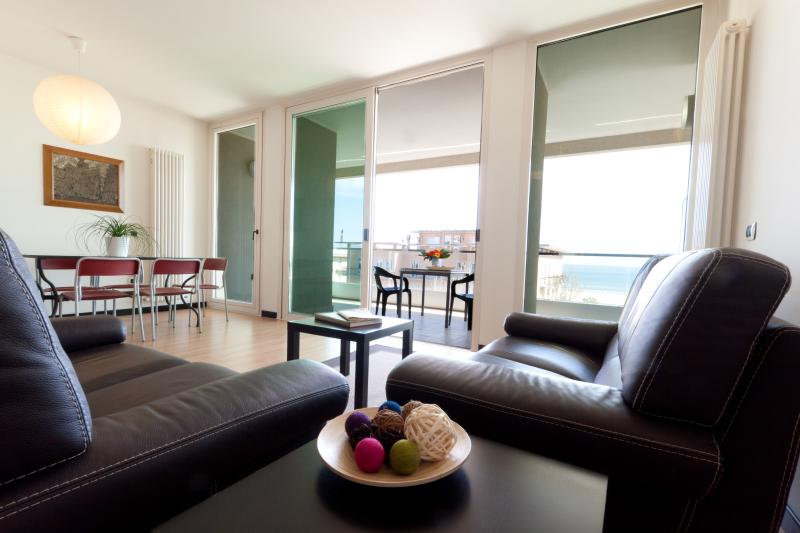 RESIDENCE PENTHOUSE WITH SEA VIEW IN RIMINI, holiday rental in Rimini