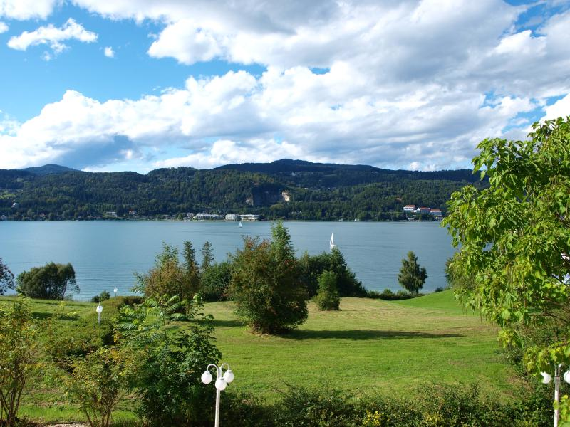 Hotel Lamplhof - Lichtpfad Wörthersee, Maria Wörth, holiday rental in Schiefling am See