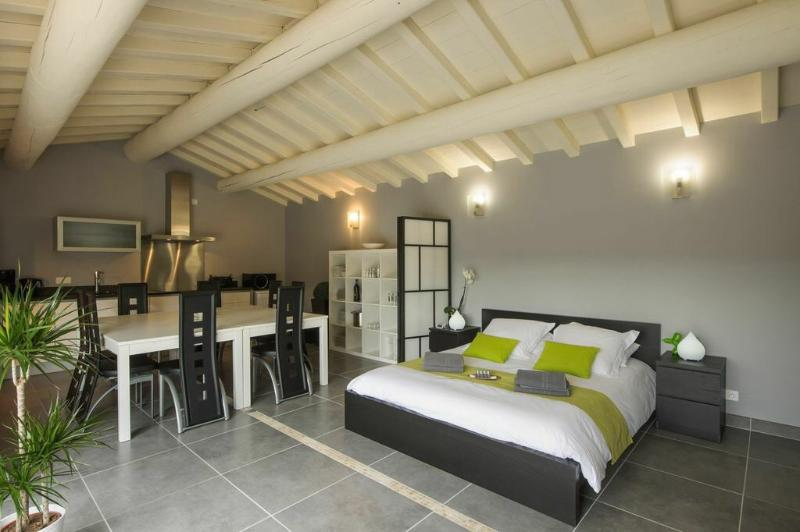 Independent Studio the olive trees with fully equipped kitchen, TV, wifi, air conditioning
