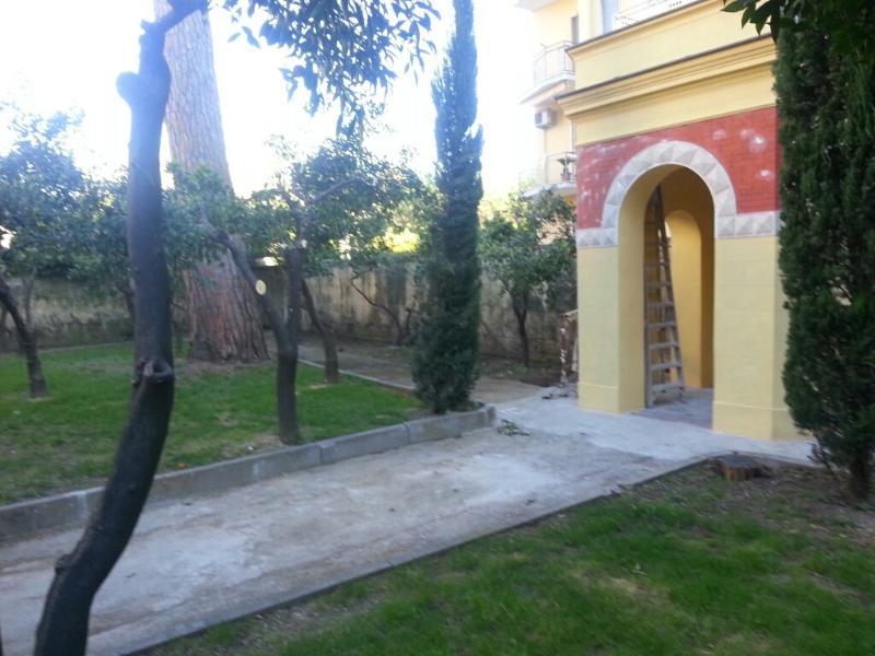 Terrazzo e giardino in centro, vacation rental in Santa Maria Capua Vetere