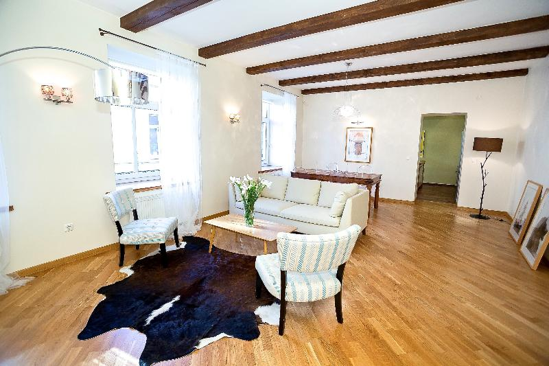 Exclusive Two Bedroom Apartment Old Town Tow Hall, vacation rental in Lithuania