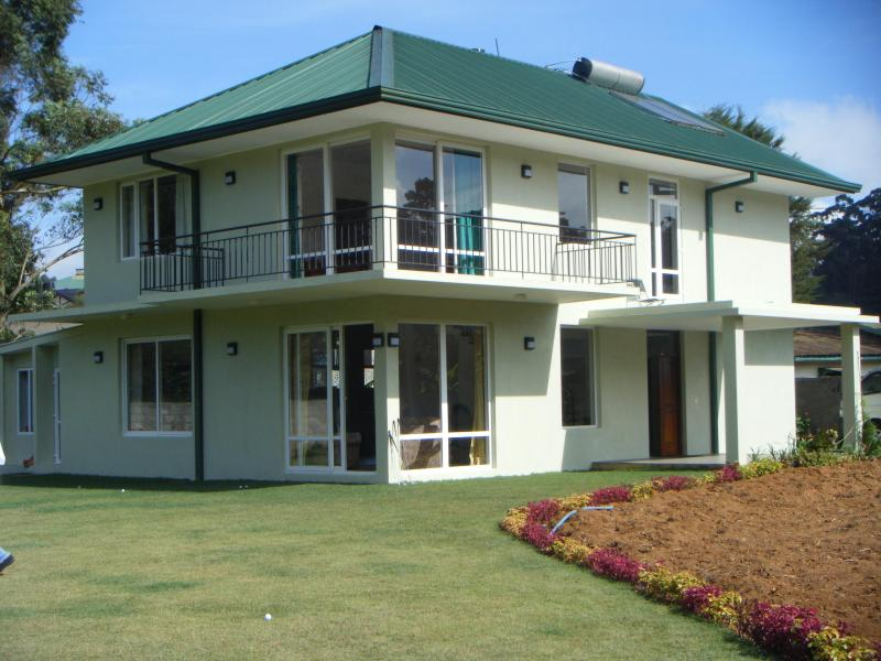 A Comfortable holiday home.  Lawsons Ridge  Nuwaraeliya, vacation rental in Norton Bridge