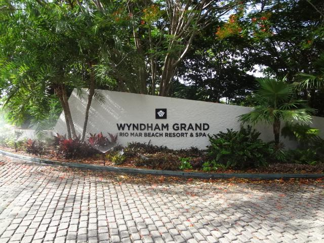 Entrance to the Wyndham Grand
